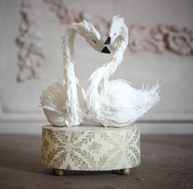 paper swan cake topper