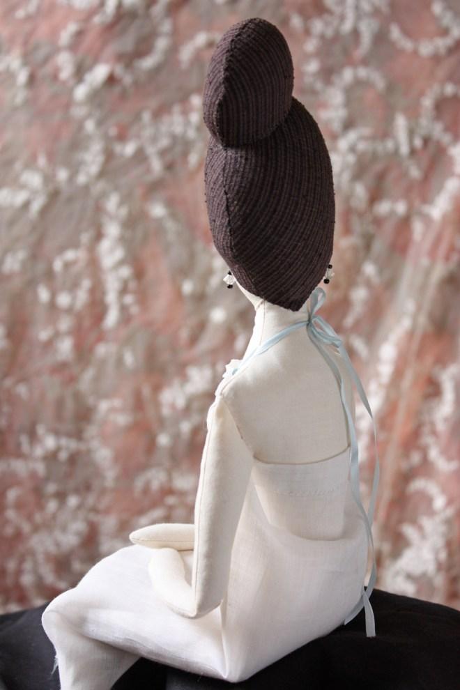 vivienne : an immodest doll