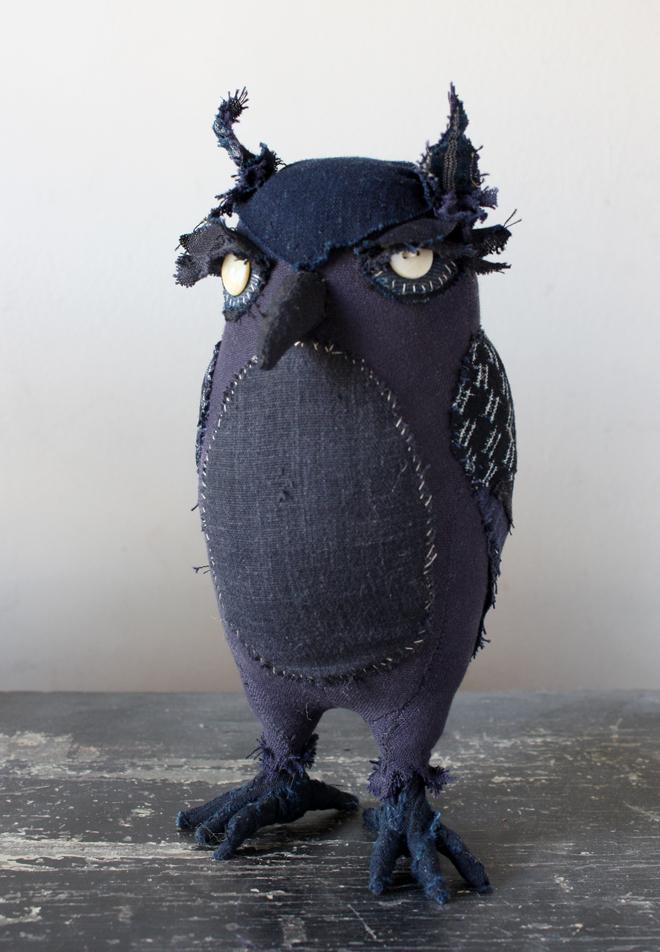 indigo owl : hagedorne