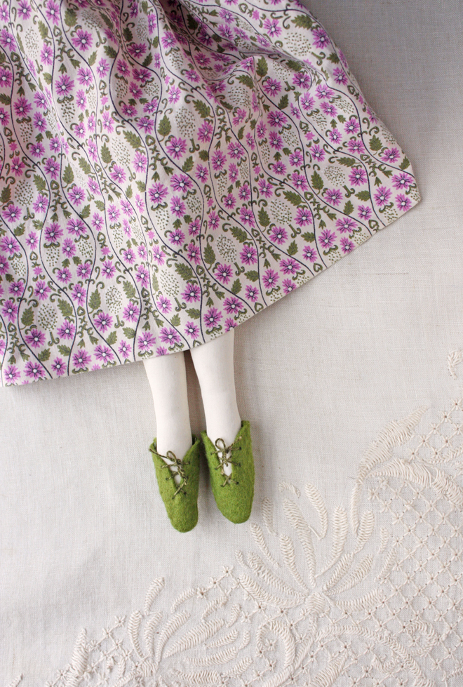 felt doll shoe diy