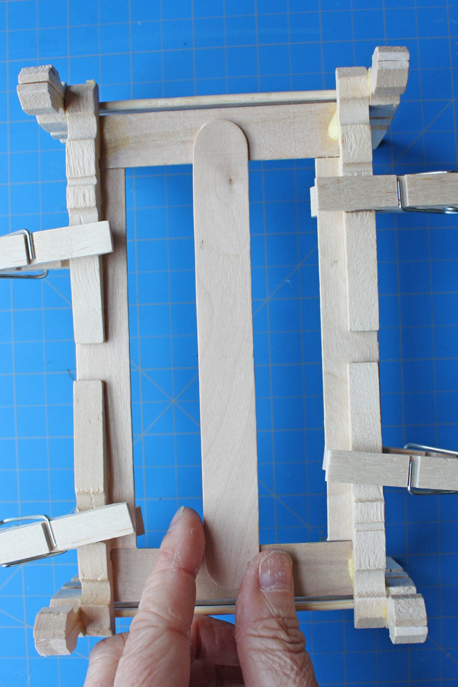 clothespin doll bed tutorial