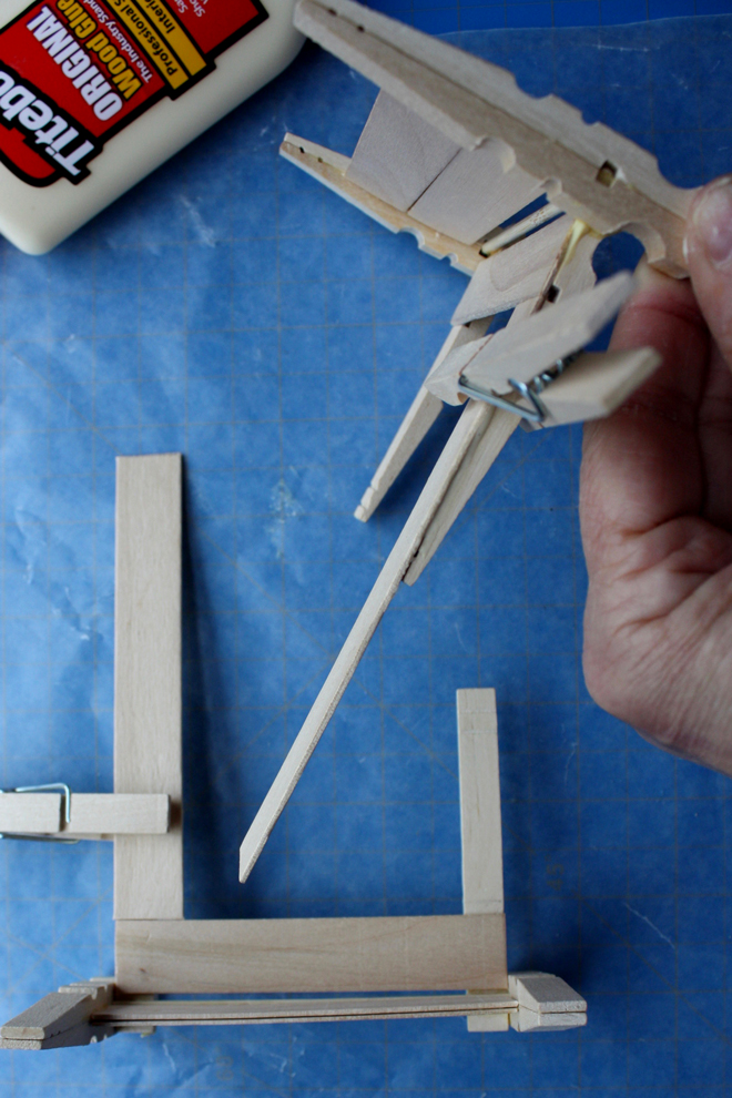 clothespin bed tutorial