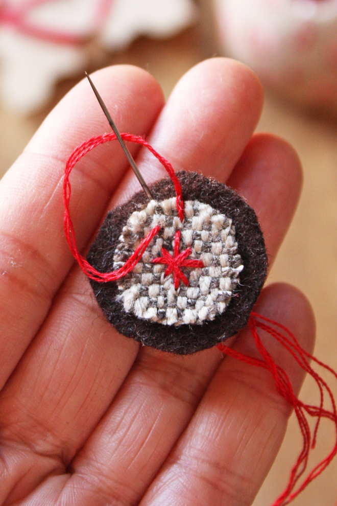 make a wool penny rug