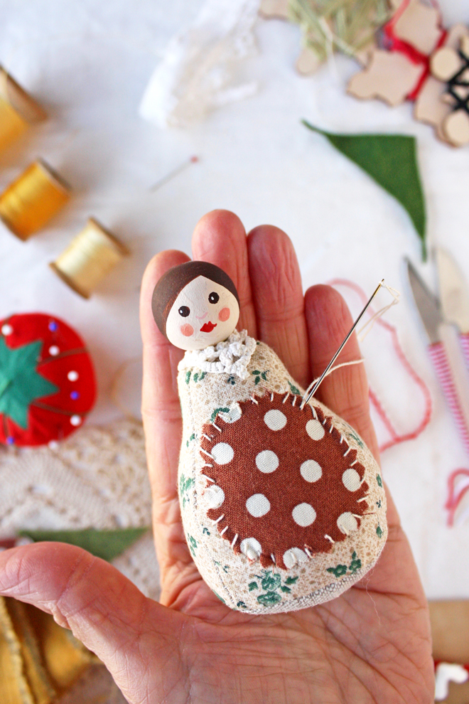 pin cushion doll diy - add the apron
