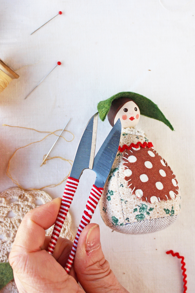 pin cushion doll - free sewing pattern