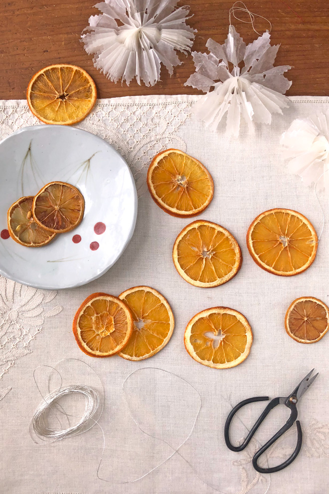 making citrus slice ornaments