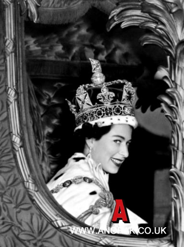 1093809 Queen Elizabeth 2 Coronation   in rare and unique photos