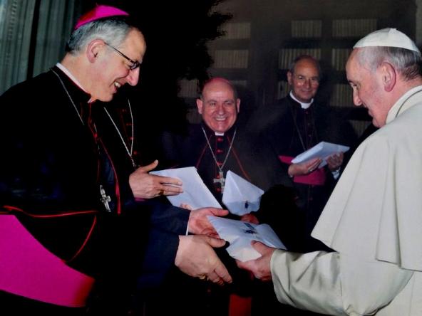 Bispo Lugo con Papa