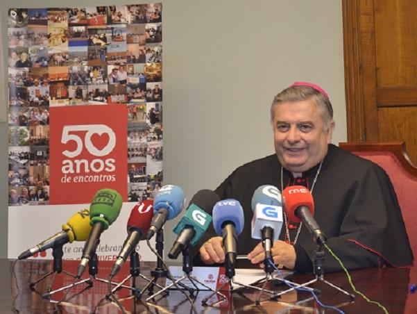Rueda de Prensa del Padre Carballo en el Obispado de Lugo