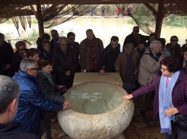 Renovación promesas bautismais en Caná de Galilea