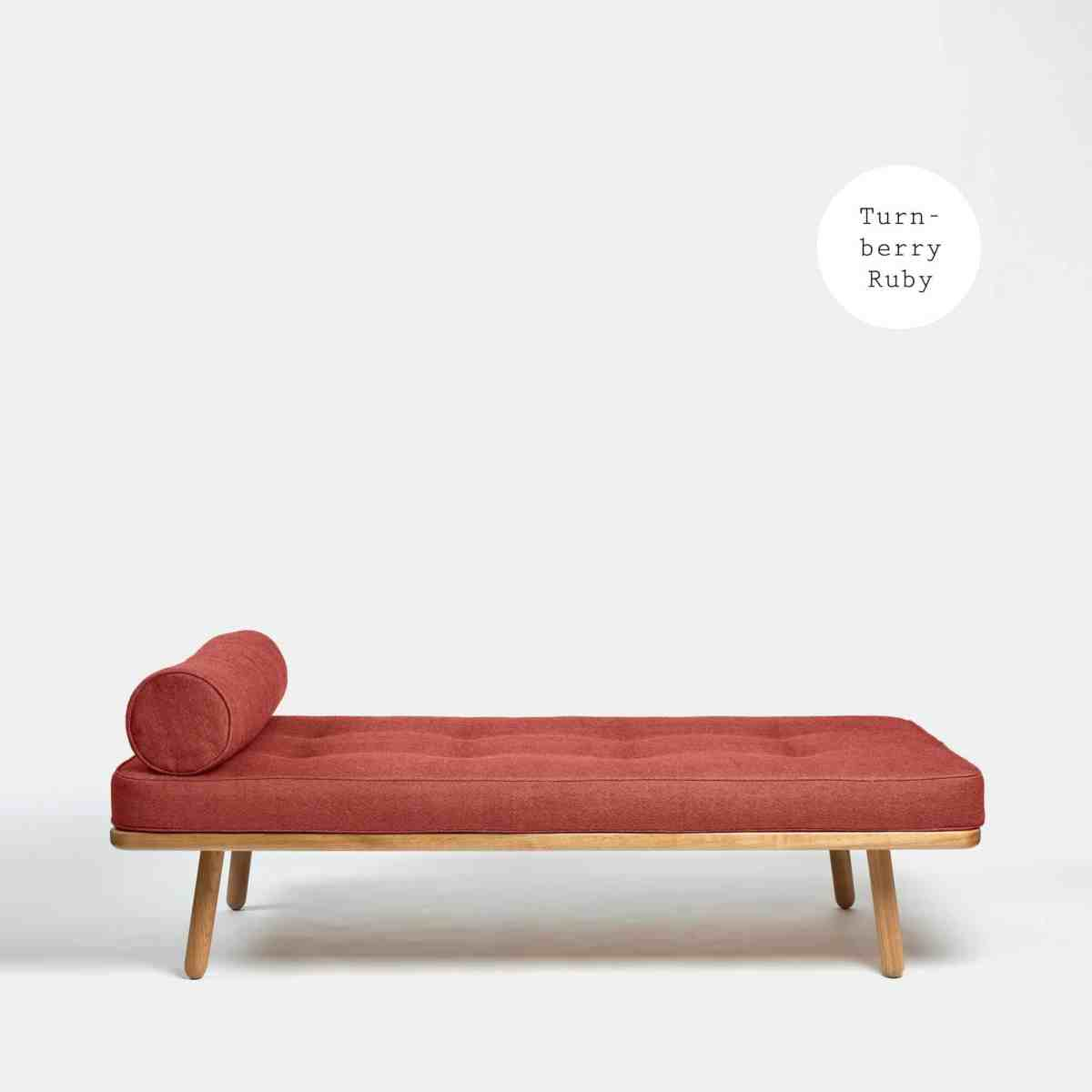 another-country-day-bed-one-oak-natural–mattress-1-bolster-turnberry-red-001