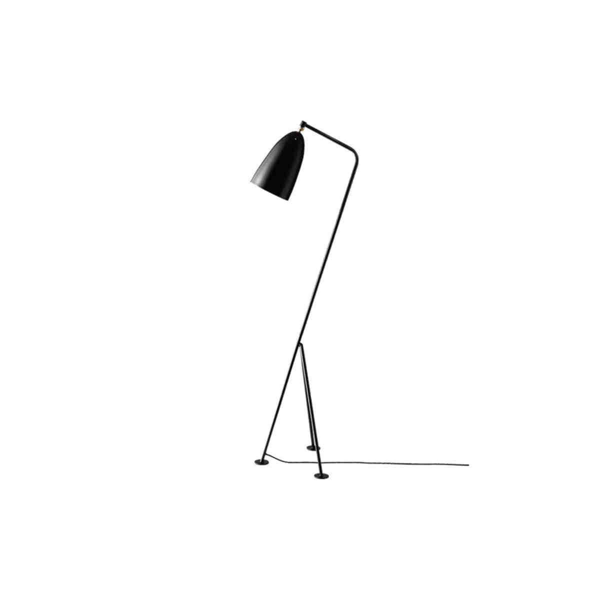gubi-grashoppa-floor-lamp-jet-black-001