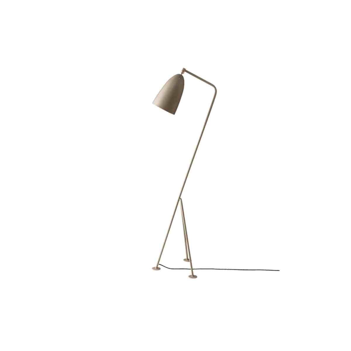 gubi-grashoppa-floor-lamp-warm-grey-001