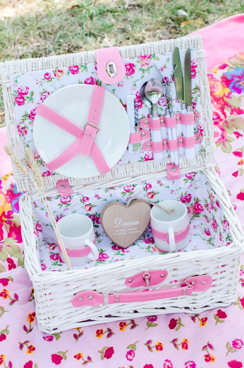 pink picnic basket
