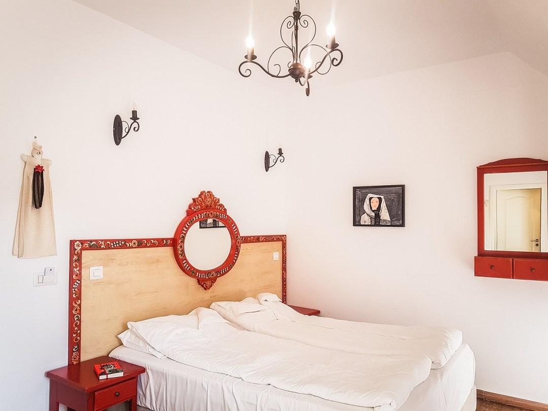 pastel chalet poppy room