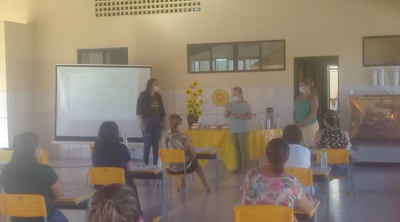 Secretaria Municipal de Educação realiza capacitação das merendeiras das escolas municipais