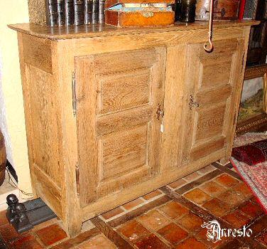 Ref. 26 - Ardeense dressoir broodkast, 18e eeuws