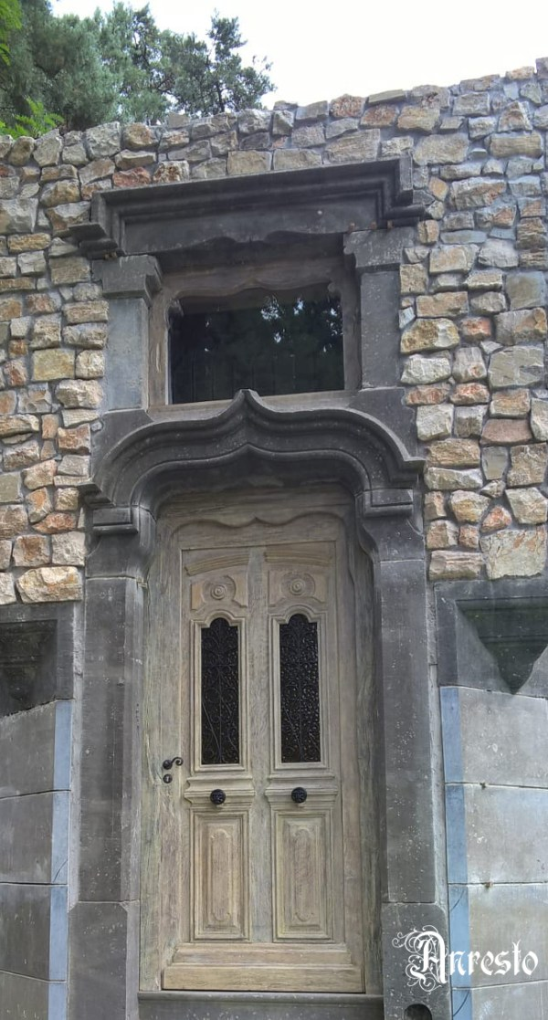 Antieke landelijke buitendeur