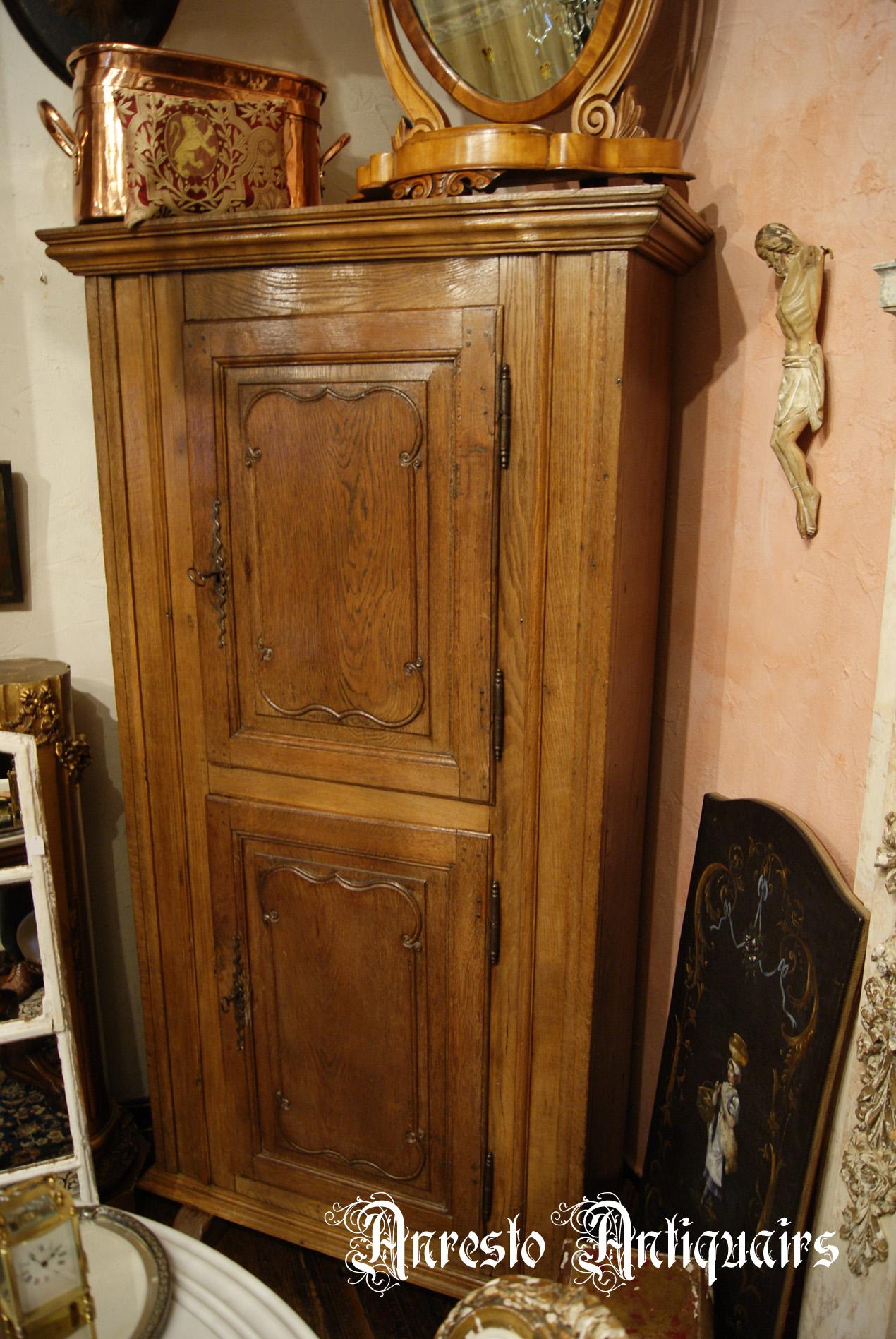 Ref. 35 – Antieke eikenhouten 2-deurskast foto 1