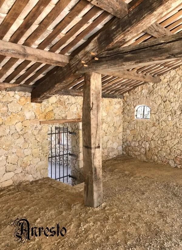 Ref. 17 – Gerealiseerd project: plafond constructies met antieke houten balken