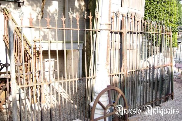 Ref. 60 – Smeedijzeren landelijke poort, oude ijzeren 2-vleugelige poort