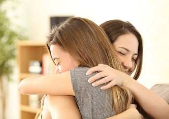 Risultati immagini per abbracciare