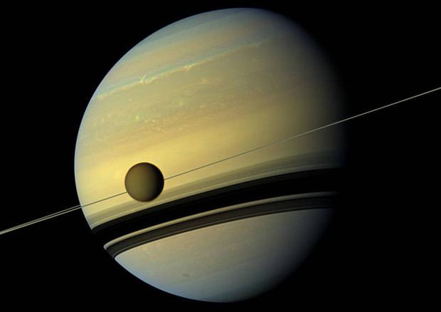 The Titan satellite is fleeing the planet Saturn (source: NASA / JPL-Caltech / Space Science Institute) © Ansa
