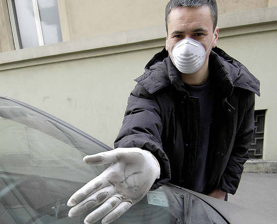 Ue, italiani i piu' preoccupati da inquinamento