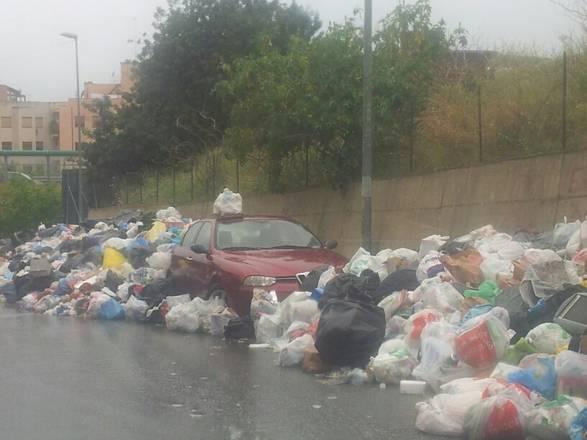 Calabria, in strada 15 mila tonnellate rifiuti