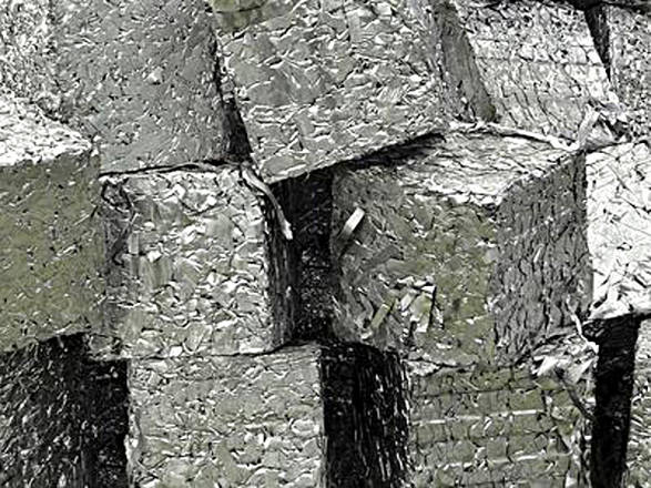 https://i1.wp.com/www.ansa.it/webimages/foto_large/2013/5/16/1368725674163_acciaio_riciclo.jpg