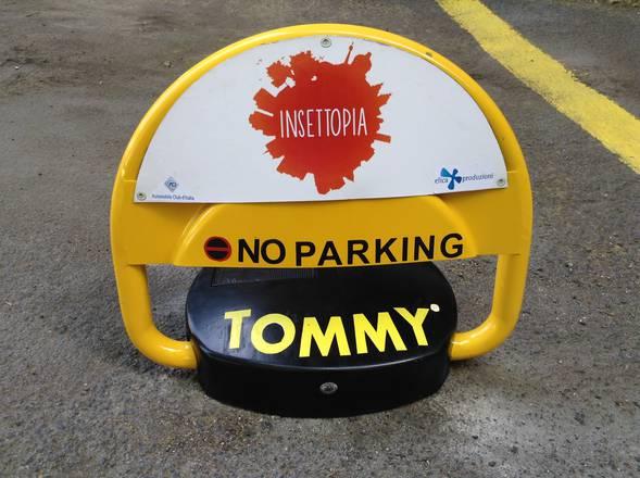 Stop agli 'intrusi' nei parcheggi per portatori di handicap