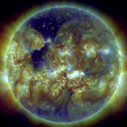 La più grande eruzione solare degli ultimi 10 anni, avvenuta il 7 gennaio 2014, ripresa dal Solar Dynamics Observatory (Sdo) della Nasa (fonte: Möstl et al., Nature Communications)
