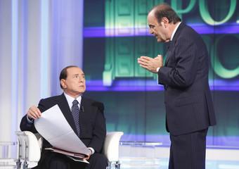 Berlusconi-Vespa, in una puntata di Porta a Porta nel 2009