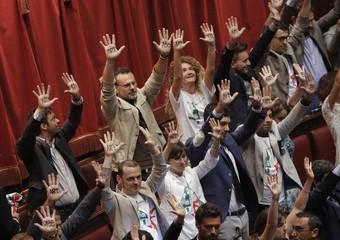Deputati M5S protestano alla Camera