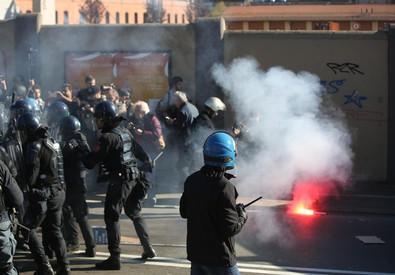 Gli scontri a Bologna (ANSA)