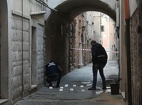 I rilievi delle forze dell'ordine © ANSA