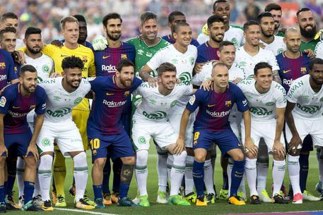 Tra Barcellona e Chape vince commozione © EPA