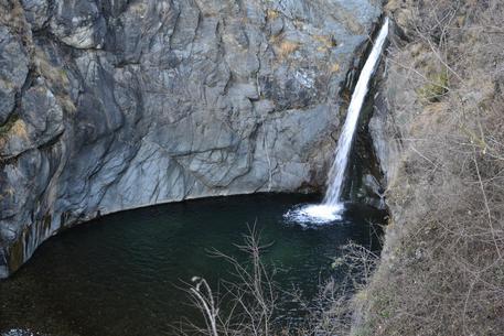 La cascata in località Goja del Pis, in una immagine di repertorio © ANSA
