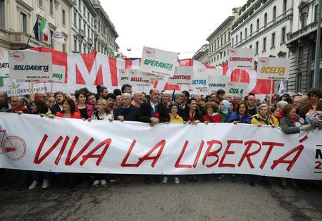 Striscione fascista: Zingaretti, risposta sono piazze piene © ANSA