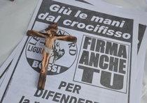 Crocifisso: movimentata campagna leghista a Genova