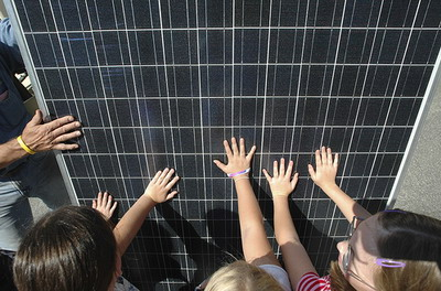 A Parigi apre scuola a impatto energetico zero