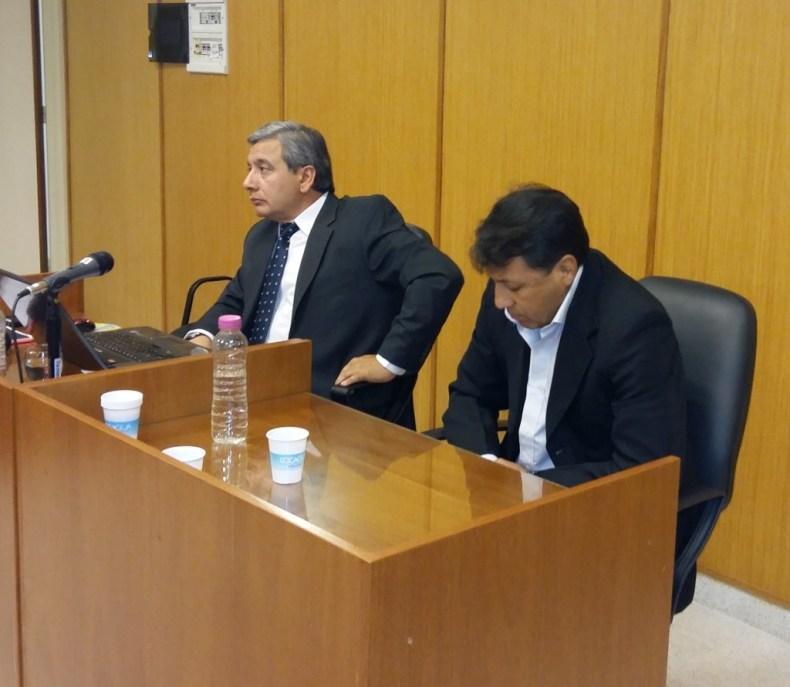 Jorge Villegas y su defensor. Foto: Aldo Masini