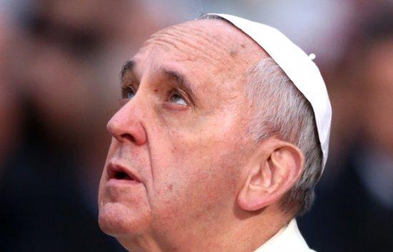 """""""I-au crescut COARNE"""". Reacţia oamenilor după ce au văzut această imagine cu Papa Francisc 442"""