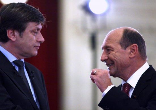 """""""USL-ul trebuie să lupte împotriva lui Traian Băsescu"""". Antonescu, principalul vinovat de criza din USL, spun românii 442"""
