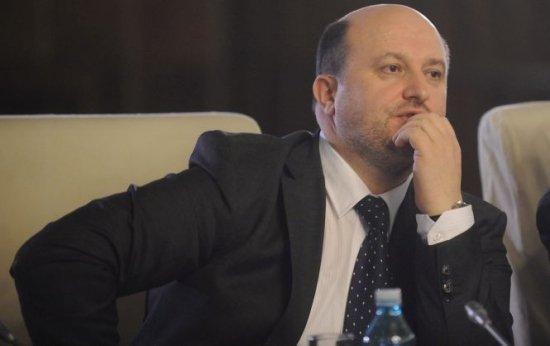 Daniel Chiţoiu a scăpat de urmărirea penală 534