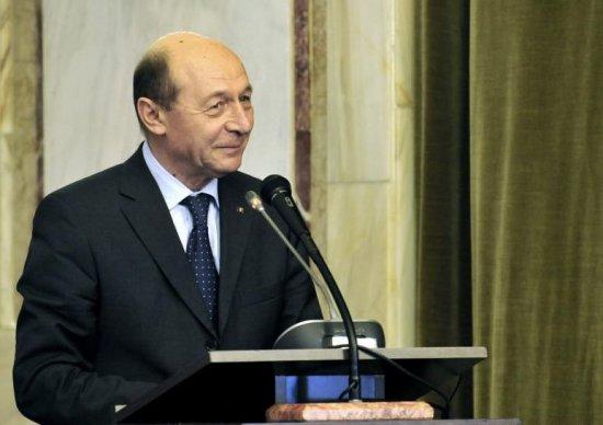 Preşedintele Băsescu susţine o declaraţie de presă, la ora 18.00 482
