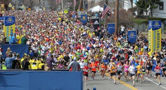 La un an de la ATENTATELE de la Boston, peste 35.000 de oameni vor alerga la MARATONUL de anul acesta 442