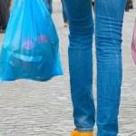 El uso de bolsas y popotes comenzarán a aplicarse a partir de mayo del 2021.