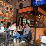 Piden cerrar a cervecerías; repuntan contagios en Guadalajara