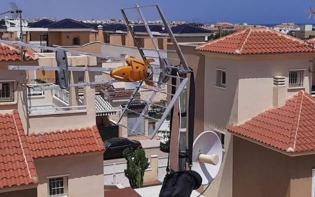 Instalación antena terrestre